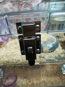 ケージの扉のロック